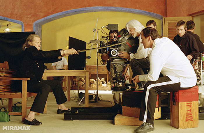 See How Famous Movies Were Made In These Candid Behind The Scenes Pictures