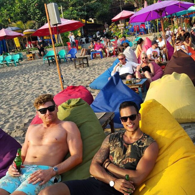 Tourists Get Stuck In Bali Due To A Volcano But They Don't Seem To Mind