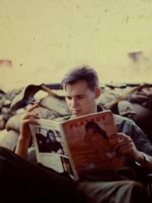 Rare Photos Of American Soldiers Relaxing In Vietnam