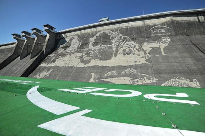 Workers Used Pressure Washers To Create This Stunning Mural On A Polish Dam