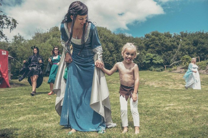 Couple Turns Their Garden Into Middle Earth For A Hobbit Themed Wedding
