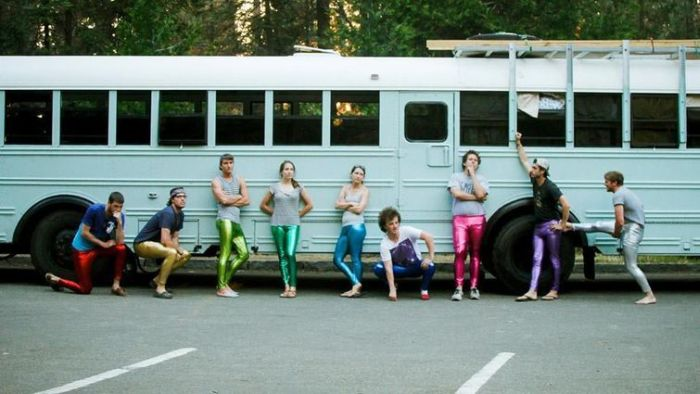 Old School Bus Gets Transformed Into Awesome Motor Home By College Graduates