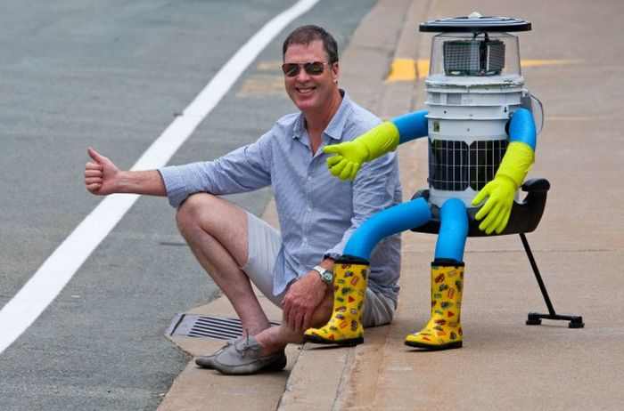 The Hitchhiking Robot Lasted Two Weeks In America Before It Was Murdered