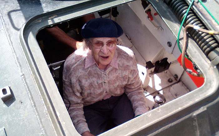 101 Year Old Woman Celebrates Her Birthday By Driving A Tank