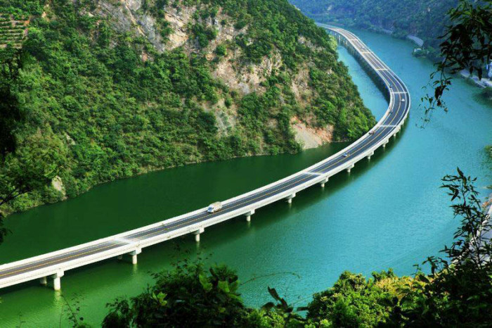 China Has A Beautiful Highway That Goes Over The Water
