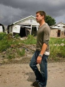 Brad Pitt Helps To Rebuild Homes In New Orleans