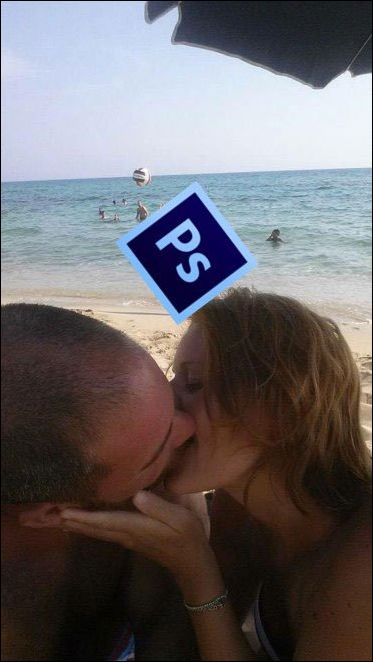 Couple Kissing On The Beach Asks The Internet For Photoshop Help