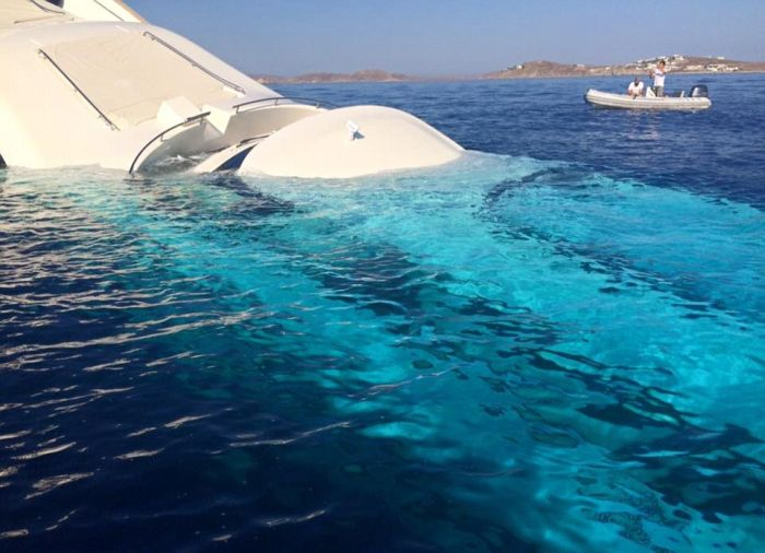 Heartbreaking Photos Show A $6 Million Dollar Yacht Sinking Into The Water