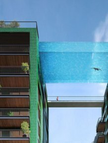 London Is Getting A Glass Bottom 'Sky Pool' That Will Let You Swim At 115 Feet
