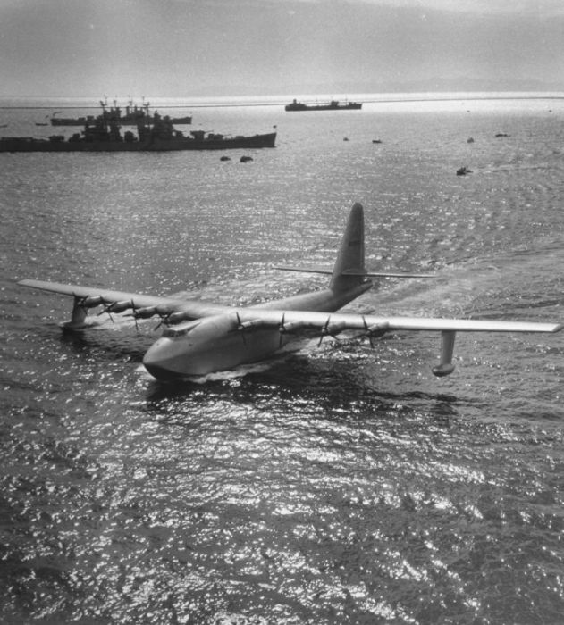 Howard Hughes' H-4 Hercules Is One Of The Most Impressive Planes Of All Time