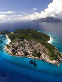 A luxurious private island in the Seychelles
