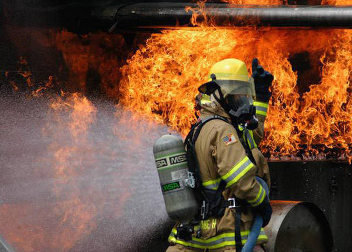 Yearly Salaries For Some Of The World's Most Dangerous Jobs Revealed