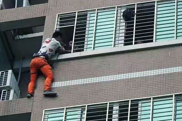 Man Stands On Ledge For 7 Hours When His Lover's Husband Comes Home Early