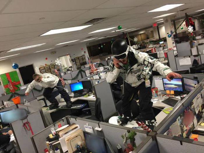 Hilarious Workplace Photos That Get The Job Done