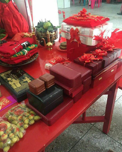 Guy Marries Rich Man's Daughter And Makes A Fortune
