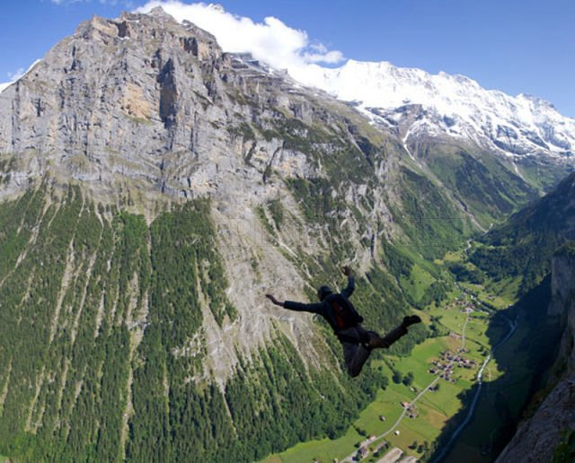 Great Photos of Base Jumping