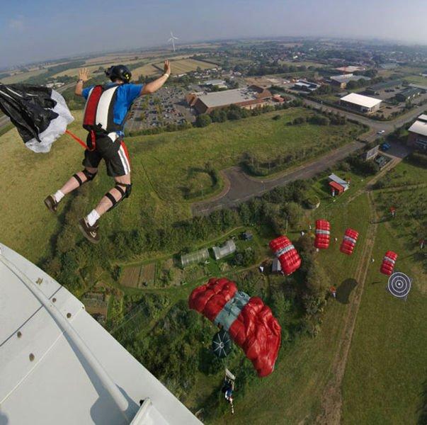 Great Photos of Base Jumping