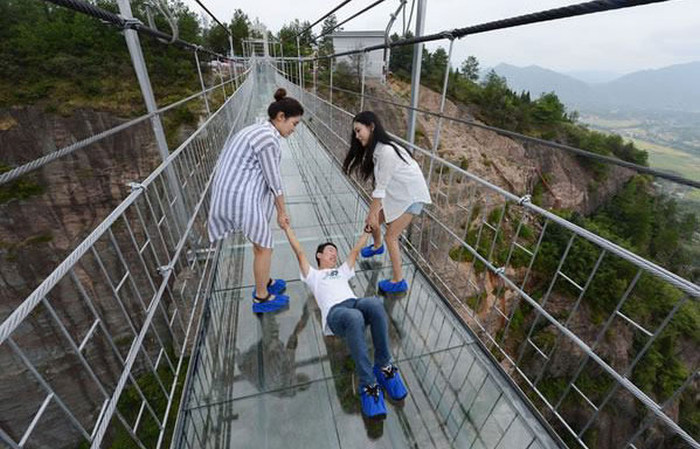 China is home to the world 39 s longest glass bridge and it 39 s Longest house in the world