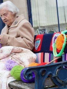 This Town Is Getting Yarn Bombed By A 104 Year Old Woman