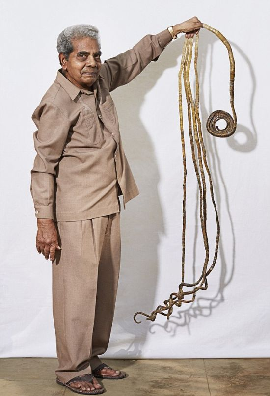 This Indian Man Has Been Growing His Fingernails Since 1952, part 1952