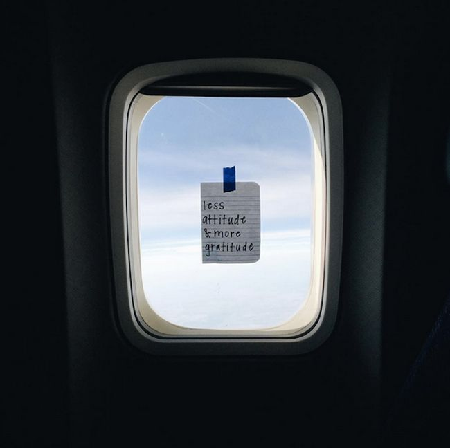 Awesome Flight Attendant Leaves Inspirational Notes For Her Passengers
