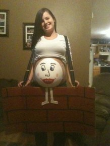 Pregnant People Who Turned Their Baby Bumps Into Halloween Costumes