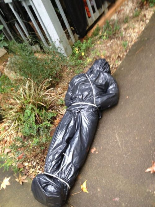 How To Make A Creepy Looking Bodybag At Home