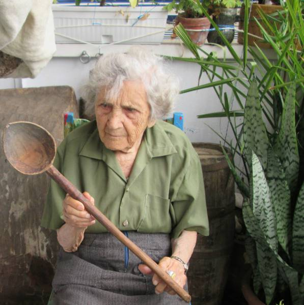 94 Year Old Woman Models Vintage Items For Sale On eBay
