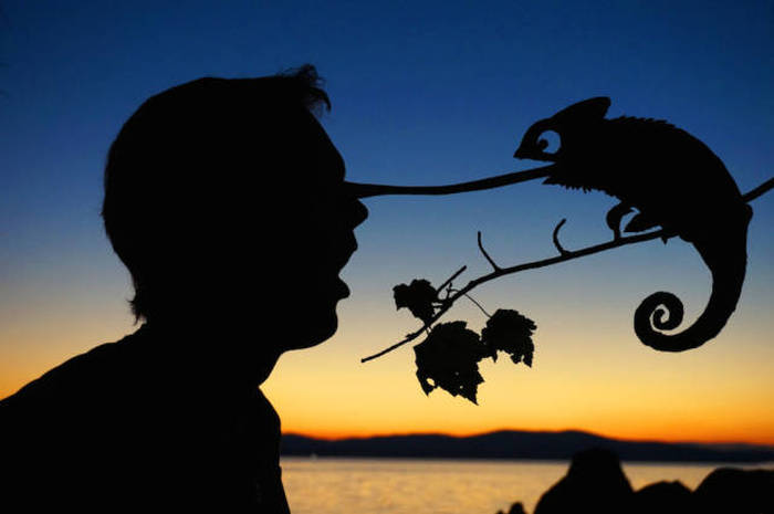 Man Uses Sunsets To Create Awesome Selfies