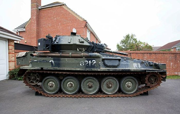 This Man Won A Tank At An Auction Then Realized He Had Nowhere To Park It