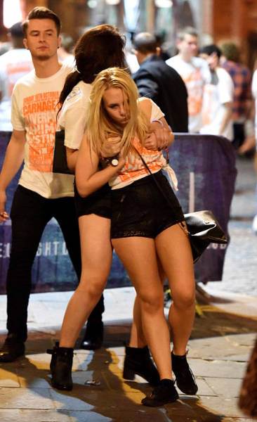 British Students Get Drunk And Run Wild In The Streets