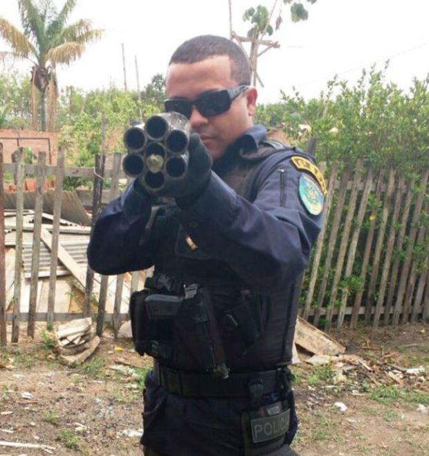 Police In Brazil Seize A Twelve Gauge Six Barrel Shotgun