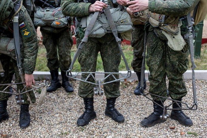 Intense Action Shots Of The Russian Army Training