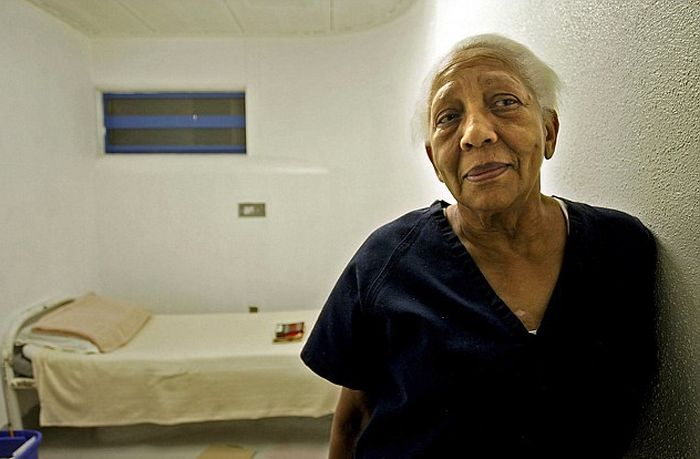 Forgetful 85 Year Old Woman Turns Out To Be An International Thief
