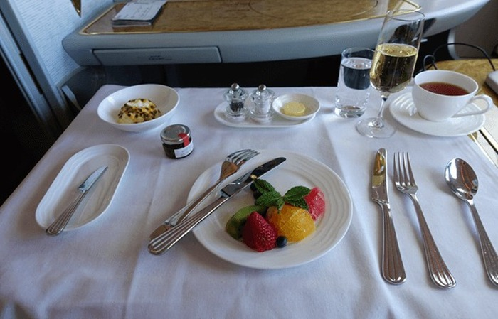 This Traveler Took $60,000 Worth Of First Class Flights For $300, part 300
