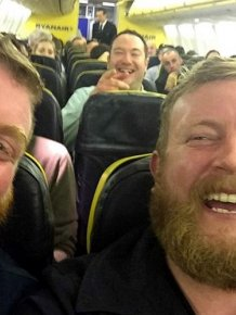 Man Gets Seated Next To His Doppelganger On A Flight