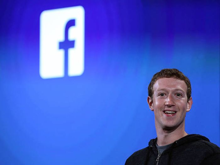 Mark Zuckerberg Reveals 20 Books He Thinks Everyone Should Read