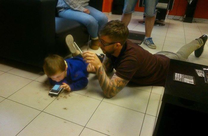 Barber Makes Autistic Boy Feel Right At Home While Getting His First Haircut