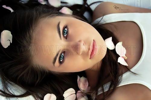 Cute Blue Eyed Girls