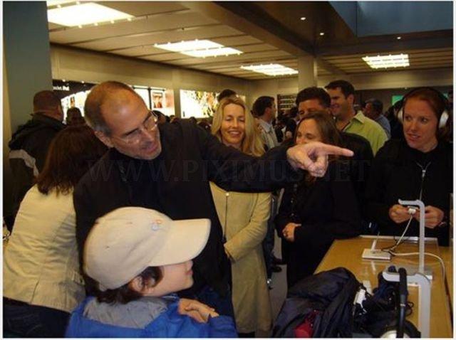 World's Biggest Apple Fan Meets Steve Jobs