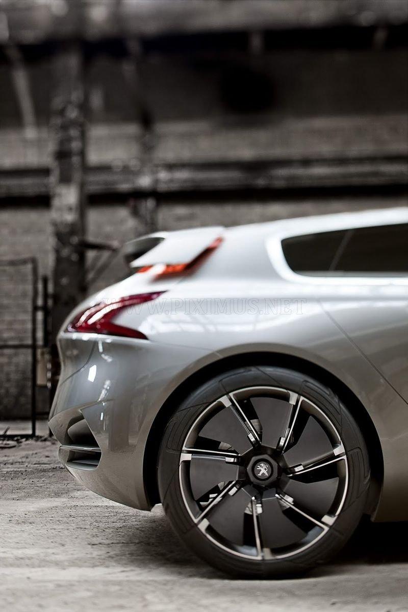Peugeot HX1 Hybrid4 MPV