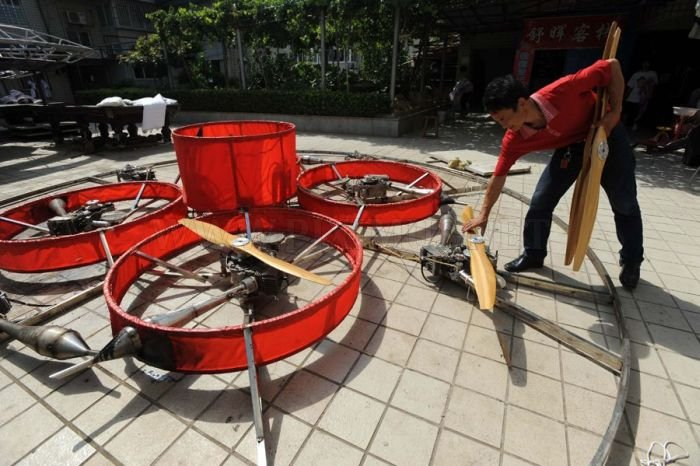 Chinese Farmer Creates Homemade Flying Saucer