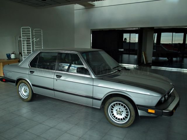 Frozen in Time 1988 Mint Condition BMWs