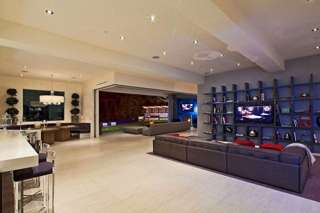 A Hollywood Mansion