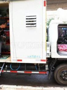 Chinese Family Converts Truck Into 8.5sqm Personal Home
