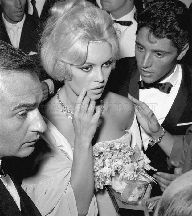 Retro Glamour: Celebrities in Venice