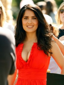 Salma Hayek in sexy red dress