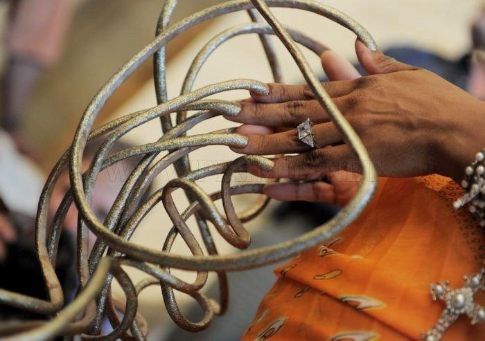 Impressive World's Longest Fingernails