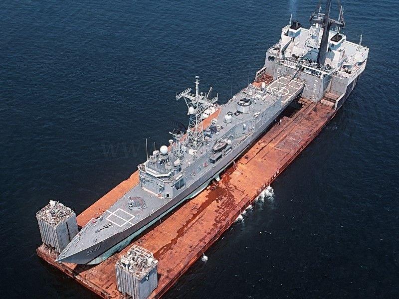 Transportation of large cargo ships