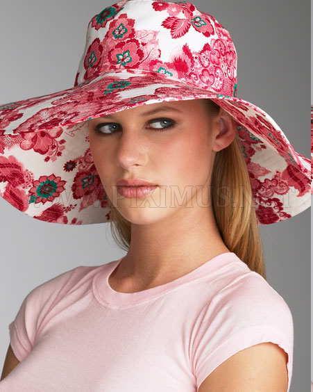 Fashion Beauties in Beautiful Hat